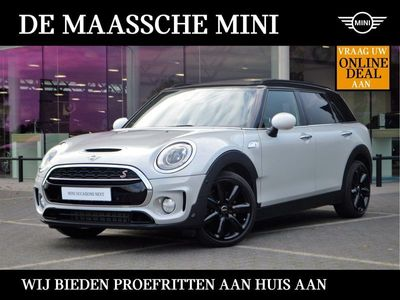 """tweedehands Mini Cooper S Clubman Chili / Navigatie / Yours leder / Panoramadak / Camera / Comfort Acces / 18""""LM-velgen"""