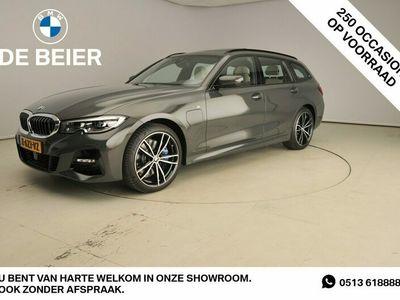 tweedehands BMW 330e 330M-sportpakket / LED / Leder / Navigatie / Sch