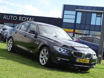 tweedehands BMW 328 3 Serie i High Executive 245 Pk - Automaat, Multimedia, Camera, Leder Interieur, Airco/ECC, CruiseControl, Parkeersensoren ,Bi-Xenon koplampen, Elektrisch verstelbare stoel(en) met geheugen