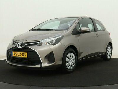 tweedehands Toyota Yaris 1.0 VVT-i Aspiration 3 deurs