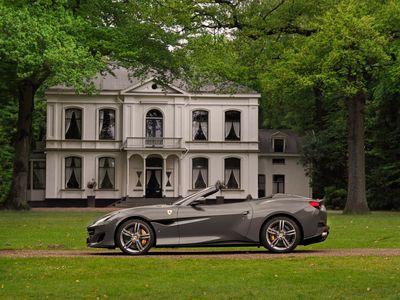 tweedehands Ferrari Portofino 3.9 V8 600pk   Historic color   Pass.display   Alcantara vloer   Carbon stuur   etc!