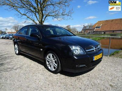tweedehands Opel Vectra GTS 2.2-16V Elegance met 1/2 Leer + Clima + Cruise
