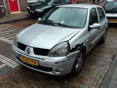 tweedehands Renault Clio 1.6-16V Community