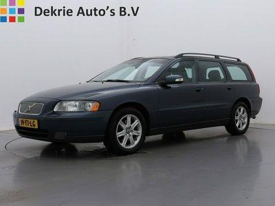 tweedehands Volvo V70 2.4D Edition Classic / SCHUIFDAK / AIRCO-ECC / NAVI / LEDER / CRUISE CTR. / PDC / LMV / TREKHAAK