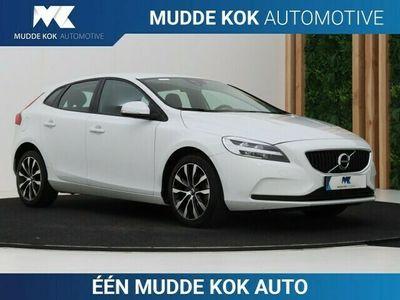 tweedehands Volvo V40 2.0 T3 Momentum | Navigatie | LED | Stoel+Voorruit