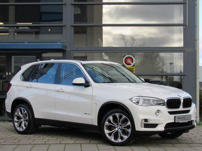 """tweedehands BMW X5 xDrive30d Automaat / Navigatie / Head-Up / 20"""" Y Spaak LM Velgen / Panorama Dak / Vol Leder Int / 1e Eigenaar!"""