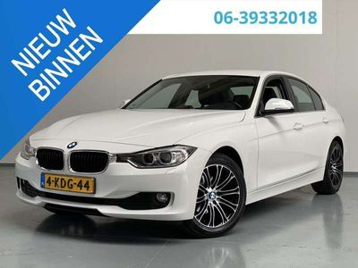 tweedehands BMW 316 316 i Upgrade Edition AUT 136pk LEDER