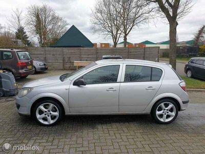 tweedehands Opel Astra 1.9 CDTi Business. APK 31-10-2021