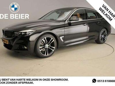 tweedehands BMW 320 320 I M-sportpakket / LED / Leder / Navigatie / Spo