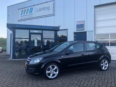 tweedehands Opel Astra 1.6 Sport 5 deurs met airco