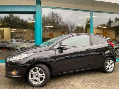 tweedehands Ford Fiesta 1.25 81pk CHAMPIONS EDITION Airco, Pdc, 15Inch