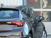 tweedehands Opel Astra 1.0T/Gr Navi/Cruise/Getint glas/ Lm velgen/NL Auto