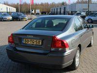 tweedehands Volvo S60 2.4 D5 MOMENTUM