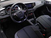 tweedehands VW Polo 1.0 TSI 95 PK Highline Navigatie, Park Assist, Air