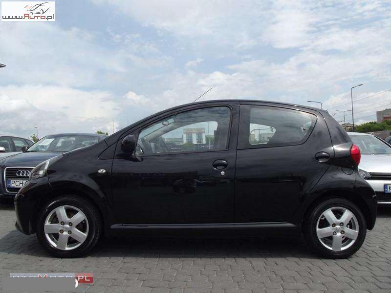 u ywany 2006 toyota aygo 1 0 benzin z 16 900 krak w autouncle. Black Bedroom Furniture Sets. Home Design Ideas
