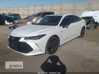 używany Toyota Avalon III XSE Hybrid