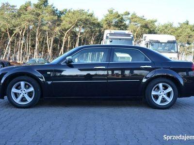 używany Chrysler 300C 3dm 218KM 2008r. 278 000km
