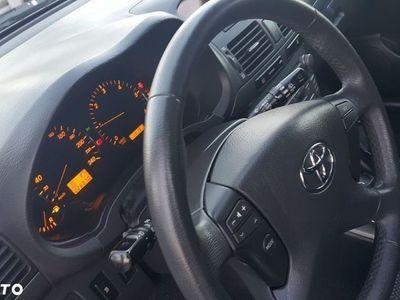 używany Toyota Avensis III
