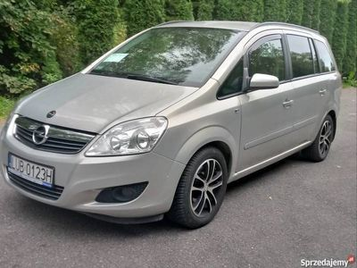 używany Opel Zafira 1.9 CDTI 120km, 2009 R. garażowany