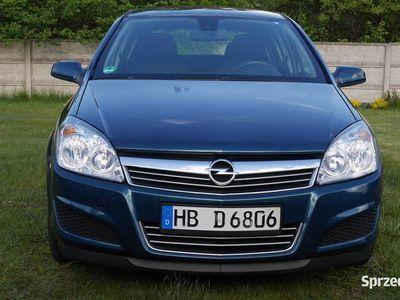 używany Opel Astra 1.6 klima sewis z Niemiec