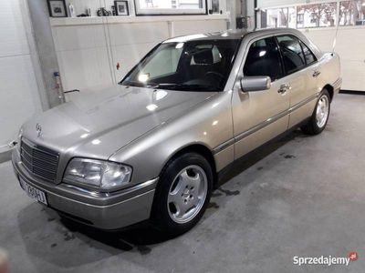 używany Mercedes C280 87000km, idealny, folia na progach