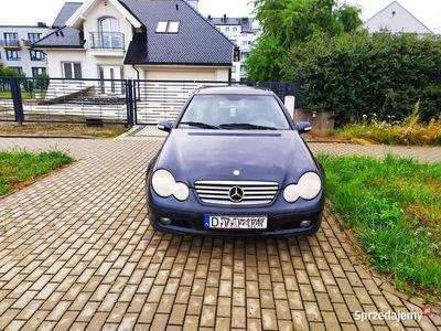 używany Mercedes C200 kompresor 2001r,Alu, panorama.