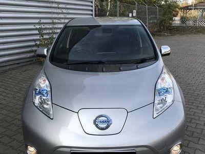 używany Nissan Leaf 100% Elektryczny Kamera 360 Lampy LED TEKNA Pomp