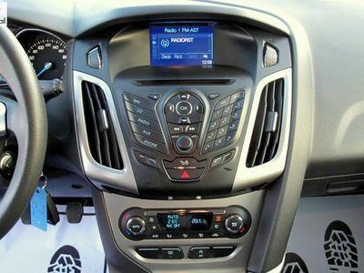 używany Ford Focus 1.6dm3 105KM 2014r. 167 000km 1,6 TDCI Stan Perfekcyjny klimatronic navi TITANIUM