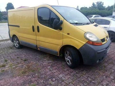 używany Renault Trafic 1.9 klima