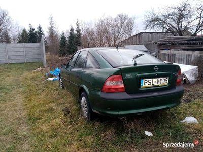 używany Opel Vectra 1.6 16V LPG w całości bądź na części