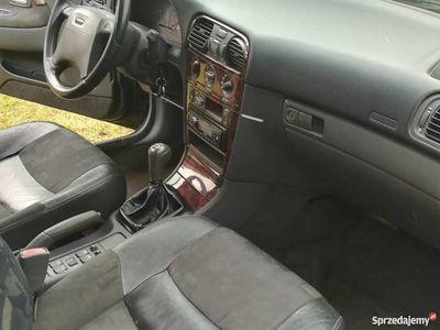 używany Volvo V40 1.8 benzyna z klimatyzacją