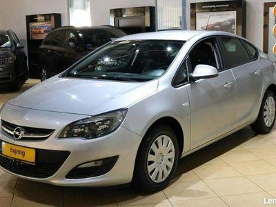 używany Opel Astra Turbo Active+ Tylko teraz! Ocena stanu tech. Online za darmo (w cenie)