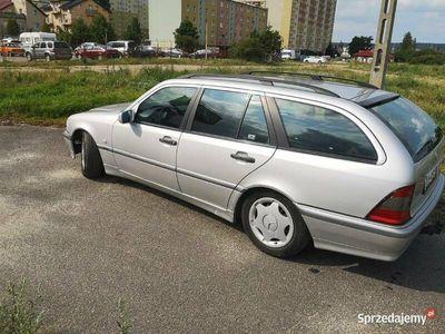 używany Mercedes C180 1.8 benzyna 1999r