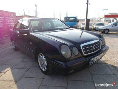 używany Mercedes E220 W210 2.2 95KM