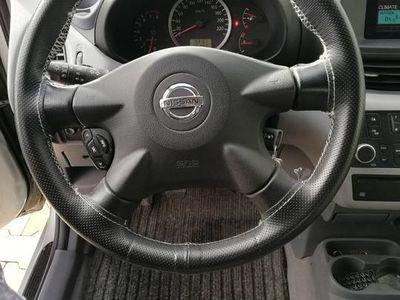 używany Nissan Almera Tino