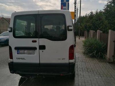 używany Opel Movano 9 osobowy