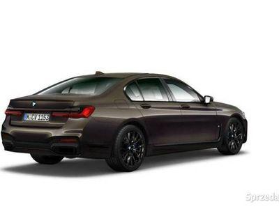 używany BMW 750 3dm 400KM 2019r. 5km
