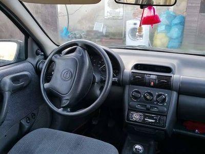 używany Opel Corsa B 1,4 cm3 benzyna