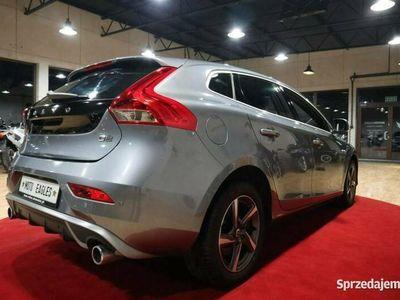 używany Volvo V40 ## R-DESIGN ## Opłacony # xenon | podgrzewane fotele | opłacony |