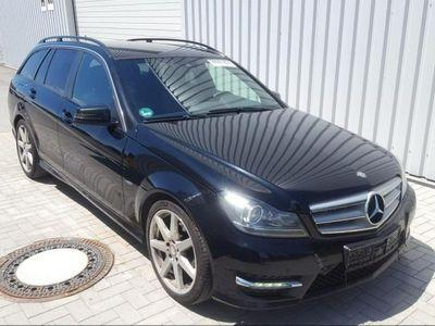 używany Mercedes C250 2.1dm 204KM 2011r. 278 956km