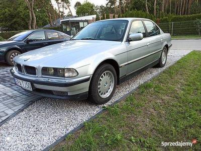 używany BMW 735 i