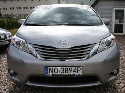 używany Toyota Sienna III 3,5iPremiuDVD,skorafull wersjaVat23%