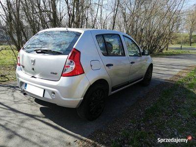 używany Dacia Sandero 1.2 zadbana klimatyzacja zarejestrowana