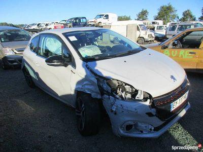 używany Peugeot 208 EY117