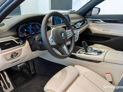 używany BMW 750 750 d xDrive   Harman&Kardon System domykania drzwi Pakiet Sportowy M   G12 (2015-...)