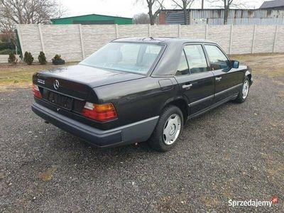 używany Mercedes 230 W124 BenzynaManual SPROWADZONY Ładny stan