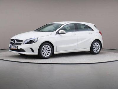 używany Mercedes A180 7G-DCT, Style