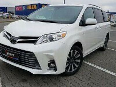 używany Toyota Sienna III Najnowszy model VAT Bogate Wyposażenie Niski Przebieg