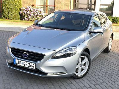używany Volvo V40 2dm 150KM 2012r. 119 363km