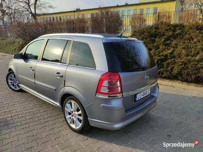 używany Opel Zafira 09' 1.6B+G Panorama 7 osobowy 17' felgi